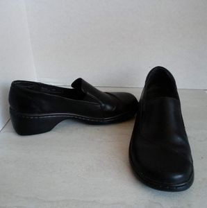 CLARKS WOMENS SLIP ON SHOES